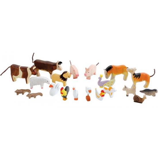 17718557020 dieren uit hout gesneden
